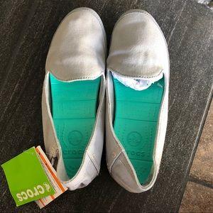 Canvas shoes by crocs